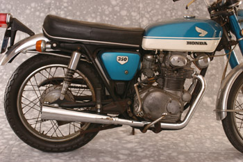 2-2 Megaphone pictured on '70 CB350